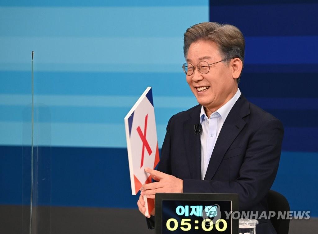 몸집 불리는 '반명 연합'…맞불 놓는 '명추 연대'?