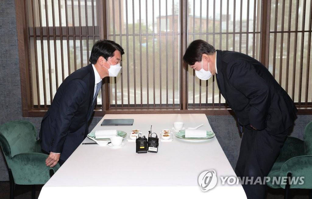 尹-安 손잡고, 崔 뜨고, 元 세력화…野 대권구도 출렁