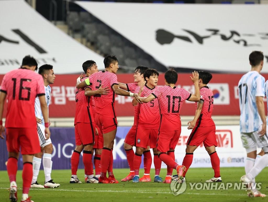 '이동경·엄원상 득점포' 김학범호, 아르헨과 2-2 극적 무승부(종합)