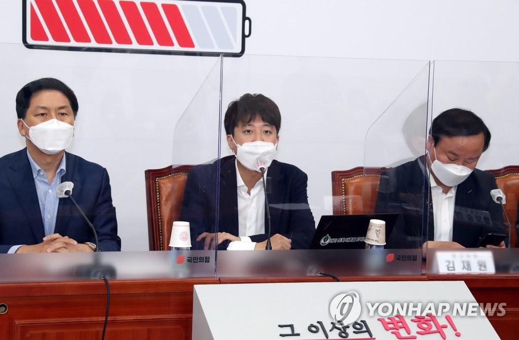 """친윤계·이준석 정면충돌…""""尹 압박말라"""" """"선 넘었다""""(종합)"""