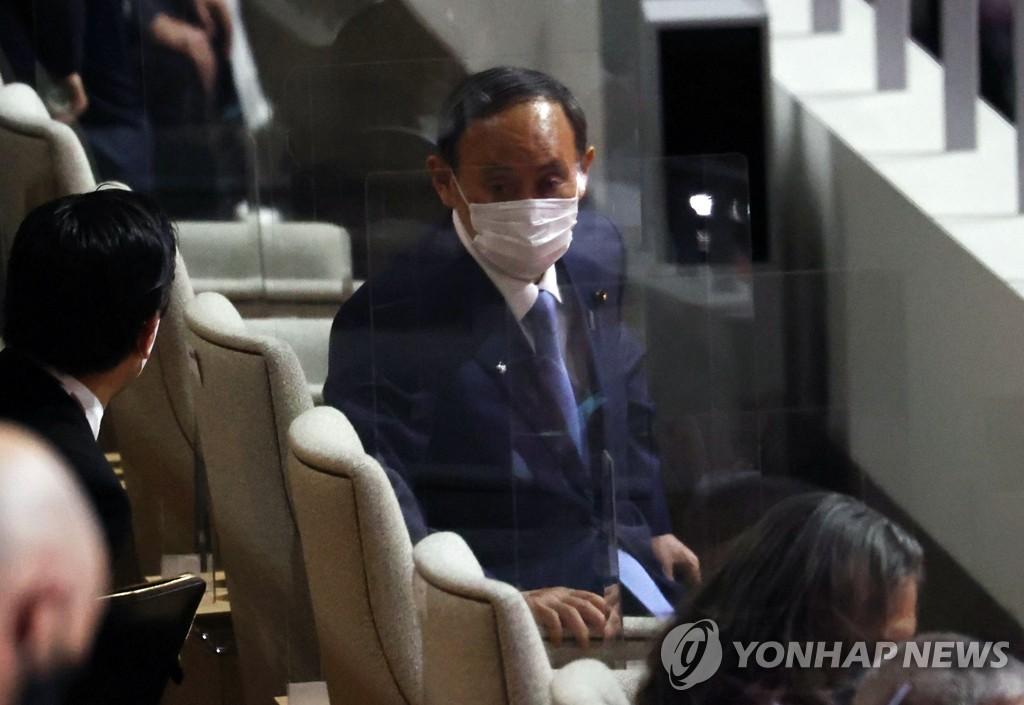[올림픽] 역대 대회 개최 후 日총리 사임 징크스…스가는?