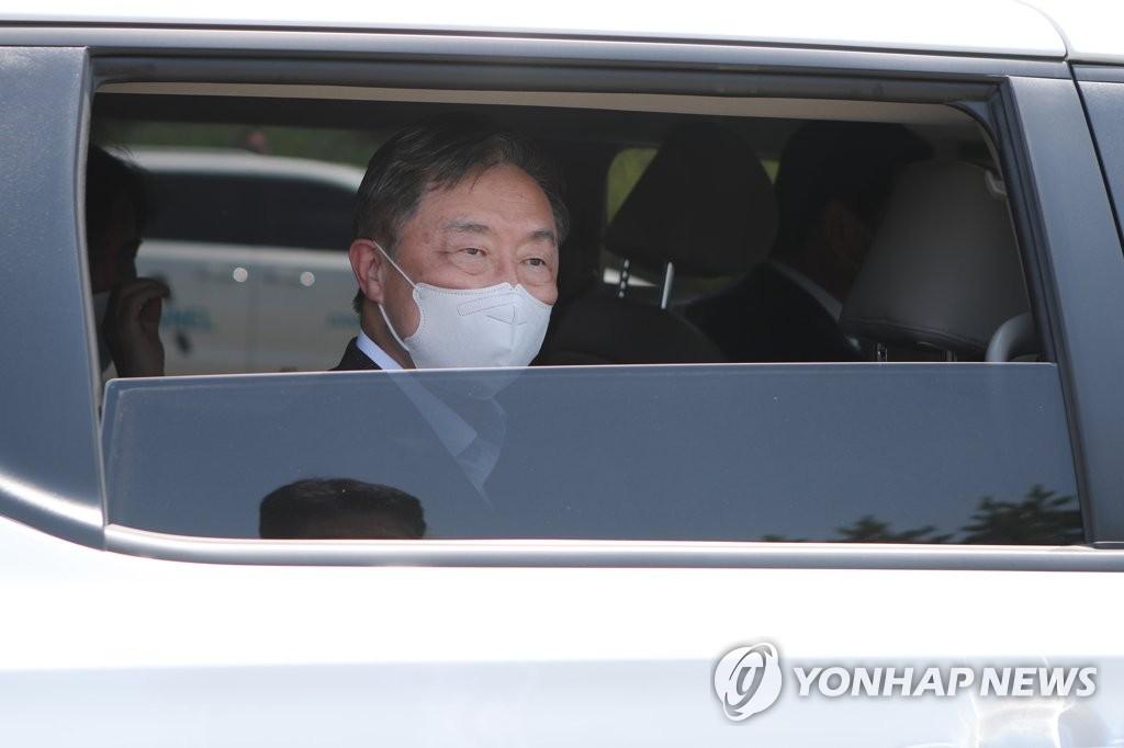'尹 향한 공세 방어' 최재형, '좋은 정치'로 차별화?