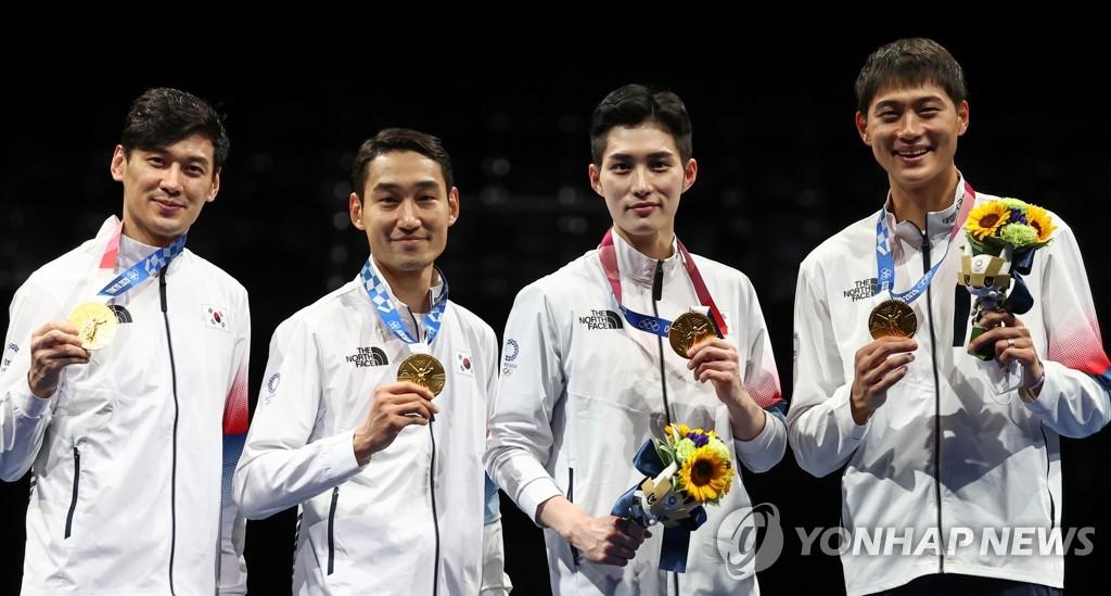 -올림픽- 펜싱 남자 사브르 단체 금메달, 축구는 6-0 승리로 8강행(종합)