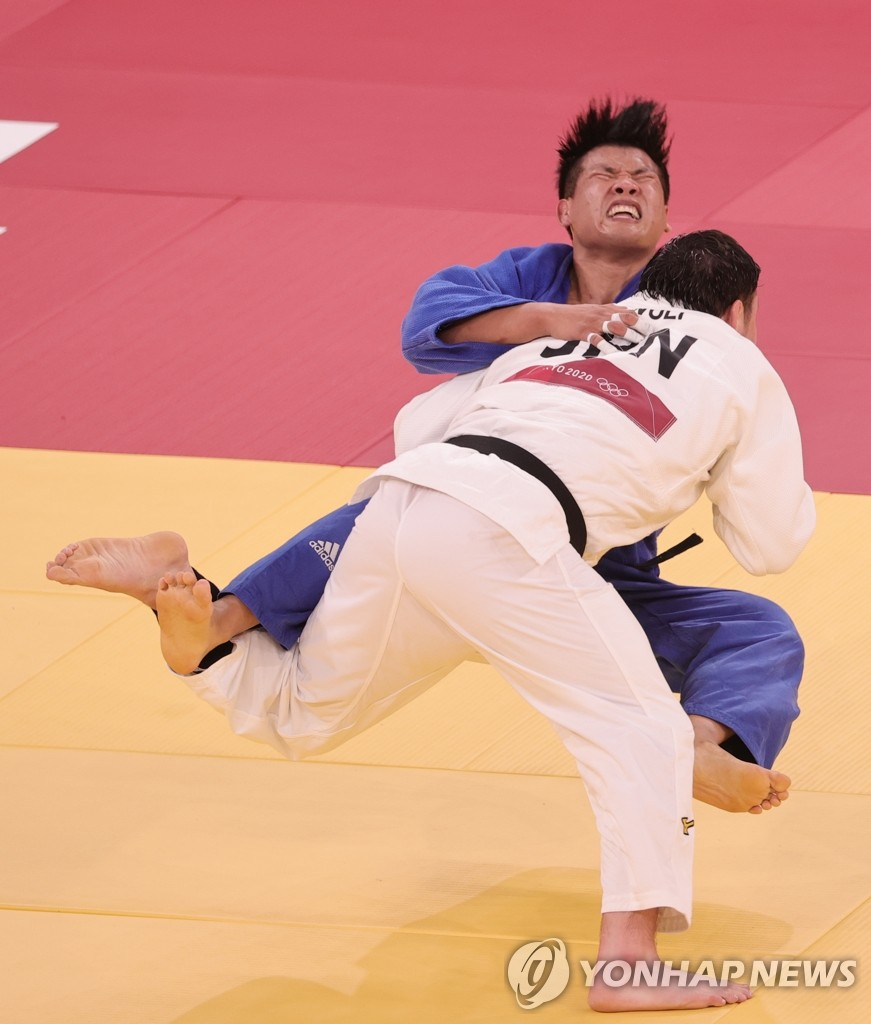 -올림픽- 조구함, 9분35초 혈투 끝 日 울프에 연장 석패…은메달(종합)