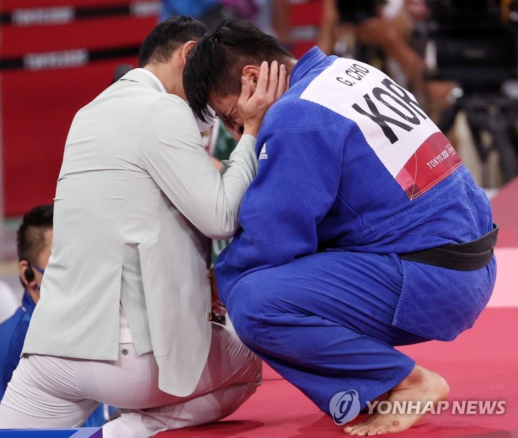 """[올림픽] '챔프 손 들어준' 조구함 """"한국 가면 다음 올림픽 준비할 것"""""""