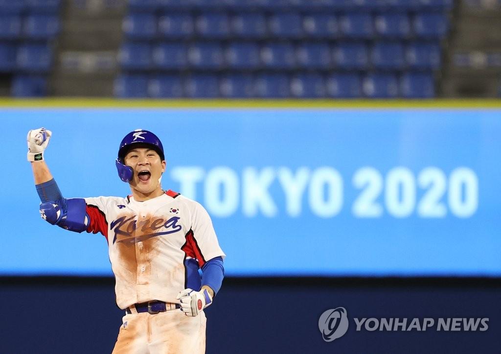 -올림픽- 오지환 맹활약…한국 야구, 이스라엘에 힘겨운 연장전 승리(종합)