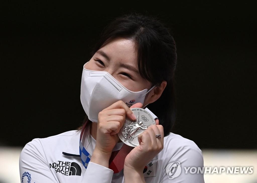 [올림픽] '임무 완수' 사격 김민정·펜싱 남자에페 대표팀 귀국