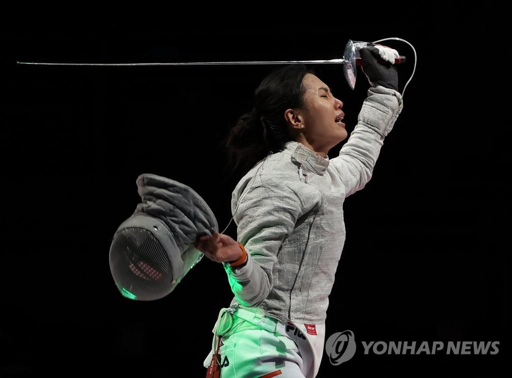 -올림픽- 펜싱 여자 사브르도 사상 첫 동메달…이탈리아에 11점 차 뒤집기(종합2보)