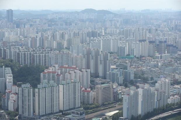 Seoul apartment view.  photo = Yonhap News