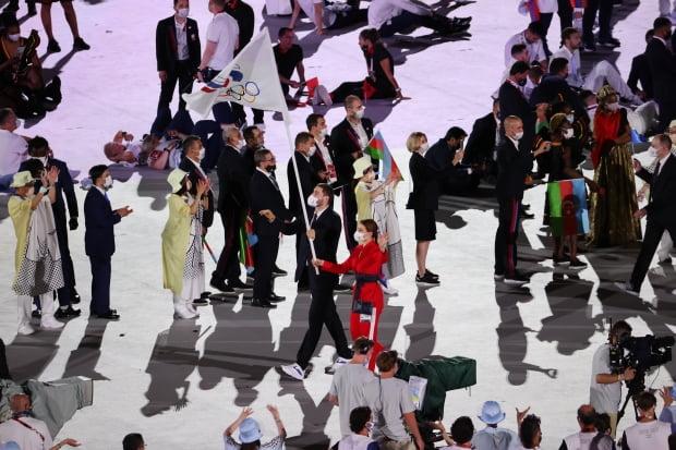 23일 일본 도쿄 신주쿠 국립경기장에서 열린 2020 도쿄올림픽 개막식에서 러시아 선수단이 입장하고 있다./사진=연합뉴스