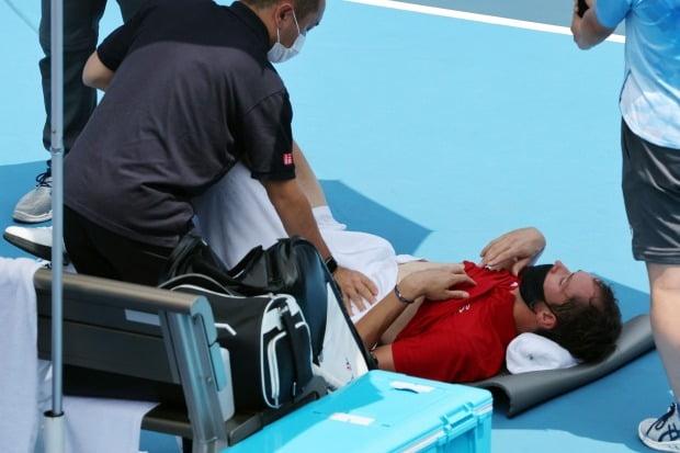 올림픽 테니스 남자 경기에서 다닐 메드베데프가 폭염으로 두 차례나 메디컬 타임아웃을 요청했다. /사진=AFP