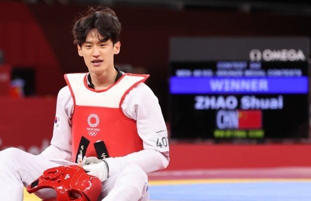 25일 밤 일본 지바현 마쿠하리 메세A홀에서 열린 태권도 남자 68kg급 동메달 결정전을 마친 이대훈. 사진=뉴스1