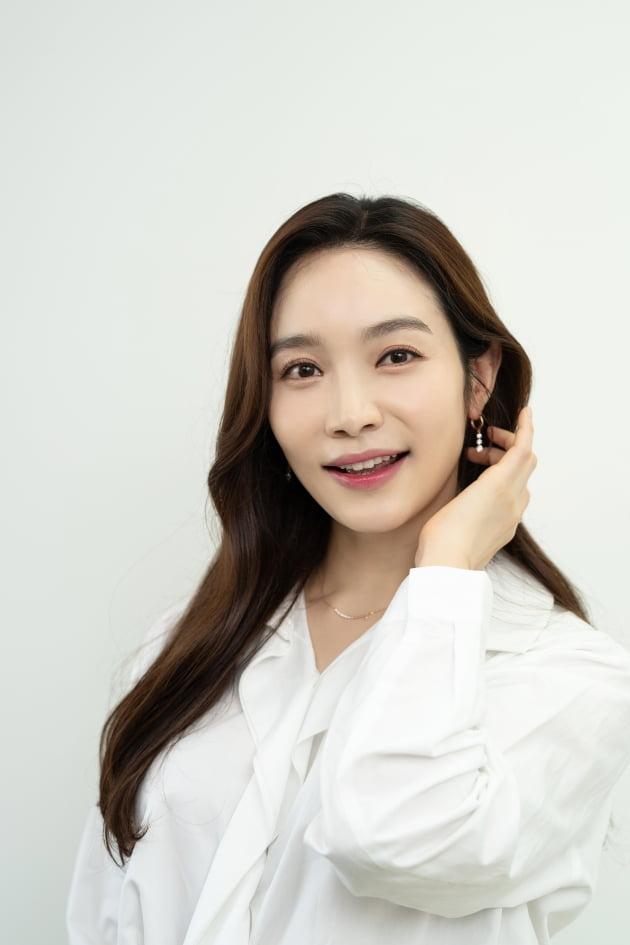 배우 이민영/사진=지담