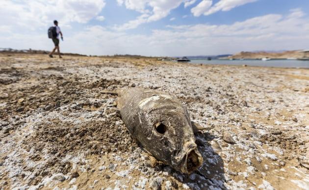 지난 6월 지구 온난화에 따른 극심한 가뭄으로 바닥을 드러내 콜로라도강 유역 후버댐 / 연합뉴스