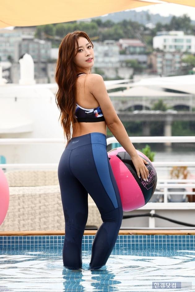 HK직캠|박은혜, 운동으로 가꾼 탄탄한 몸매…'늘씬한 S라인 몸매에 눈길~'