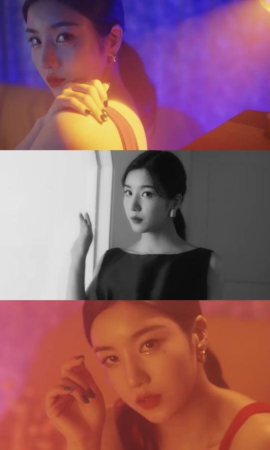 권은비, 'DOOR' 리릭 포토+트랙 비디오 공개…블랙·레드 넘나드는 고혹미