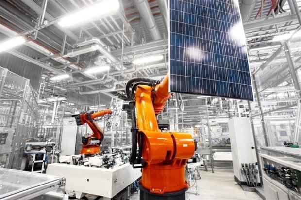 한화솔루션 태양광 모듈 공장. / 사진=한화솔루션