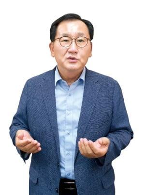 """달걀서 항체 뽑는 애드바이오텍 """"동물 의약품 강자로 도약하겠다"""""""