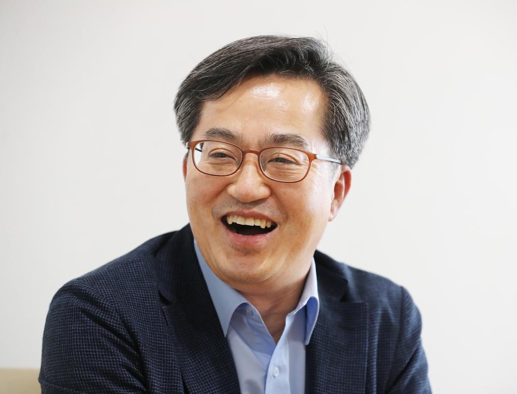 """[일문일답] 김동연 """"윤석열·최재형과 동일선에 놓지 말라"""""""