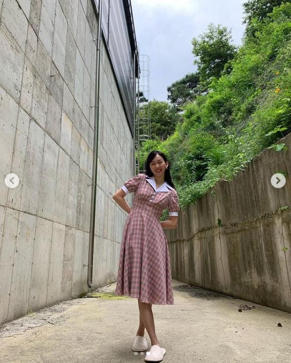 진기주, 까꿍 상큼 바랄한 미소...태양아래 반사되는 예쁨[TEN★]