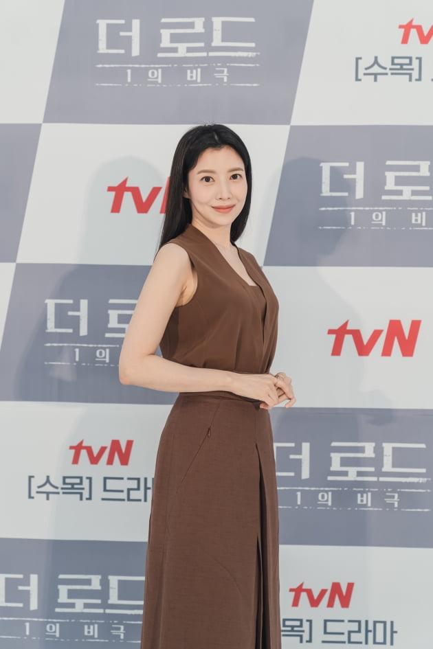 '더 로드'에서 윤세아는 대한민국 정계를 쥐고 있는 제강 그룹 회장의 딸이자 백수현의 아내 서은수를 연기한다. /사진제공=tvN