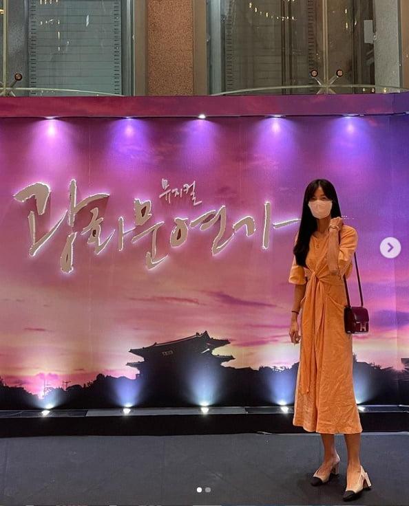 '171cm·49kg' 김성은, 애셋맘 H사 명품백메고 홀로 공연 나들이[TEN★]
