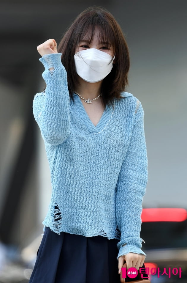 [TEN 포토] 레드벨벳 웬디 '오늘도 '영스트리트' 파이팅!'