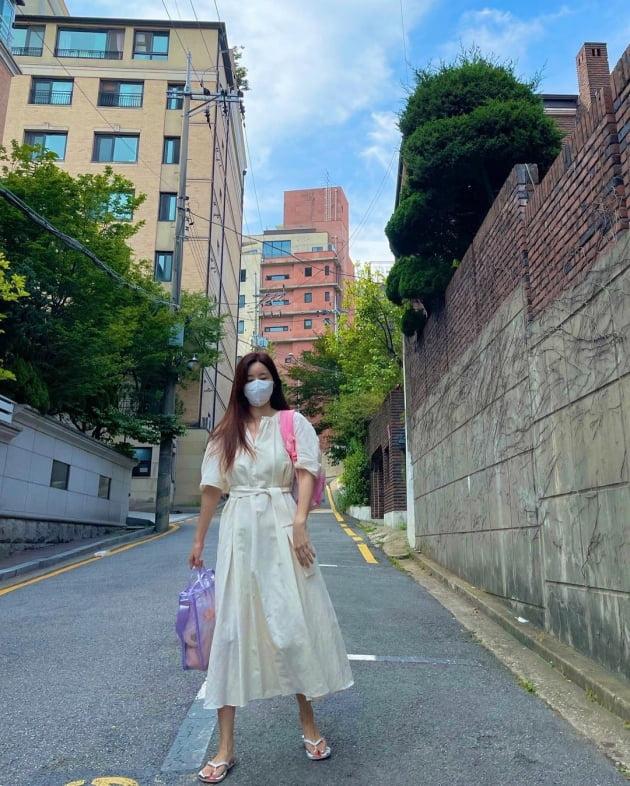 '한재석♥' 박솔미, 아침부터 이렇게 꾸밀 시간 있다고? 비주얼에 진심인 편 [TEN★]