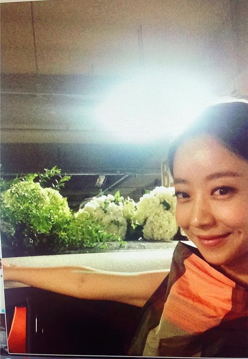 양파, 싱그러운 미소...데뷔 25년차 러블리 여신[TEN★]