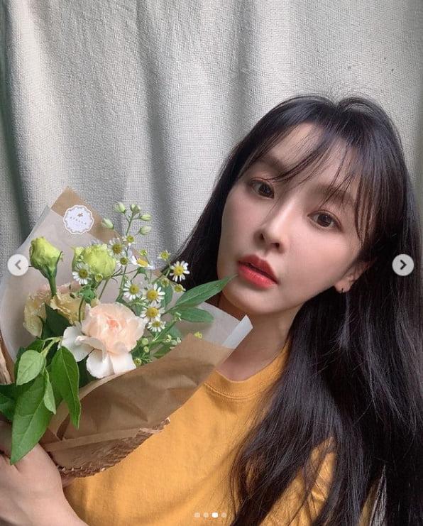 '강타♥' 정유미, 차원이 다른 미모...꽃 기죽이는 윰블리[TEN★]