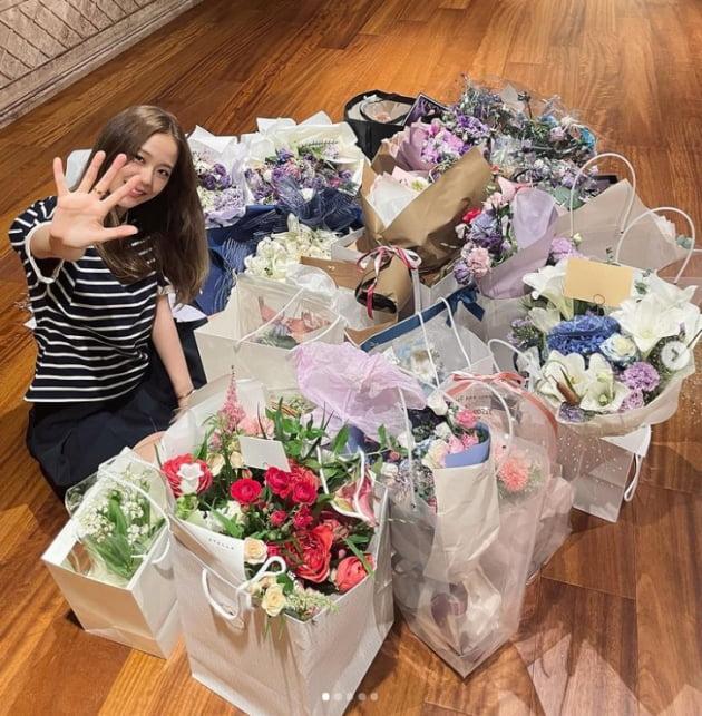 """블랙핑크 지수, """"블링크 더 즐거운 추억 많이 만들어봐요""""...데뷔 5주년 자축[TEN★]"""
