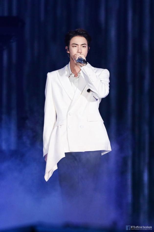 방탄소년단 진 팬, 에피파니 3주년을 기념위해 '통큰 응원'