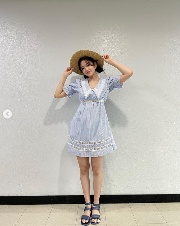 아이즈원 출신 안유진, 청량함 과다 섭취주의보...뭘 입어도 빛나[TEN★]