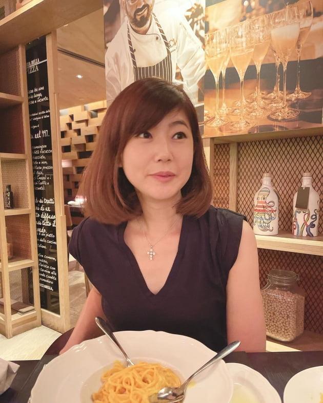 '홍콩 부촌 거주' 강수정, 미슐랭 원스타 레스토랑에서 가족과 우아한 만찬 [TEN★]