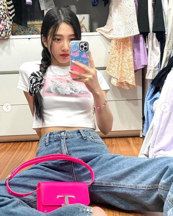 레드벨벳 조이, 얼굴에서 광채가...양갈래 머리 귀여워[TEN★]