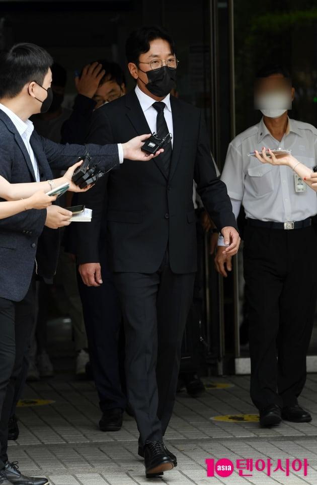[TEN 포토] '프로포폴 불법 투약 혐의' 하정우 '재판을 마치고 담담하게'