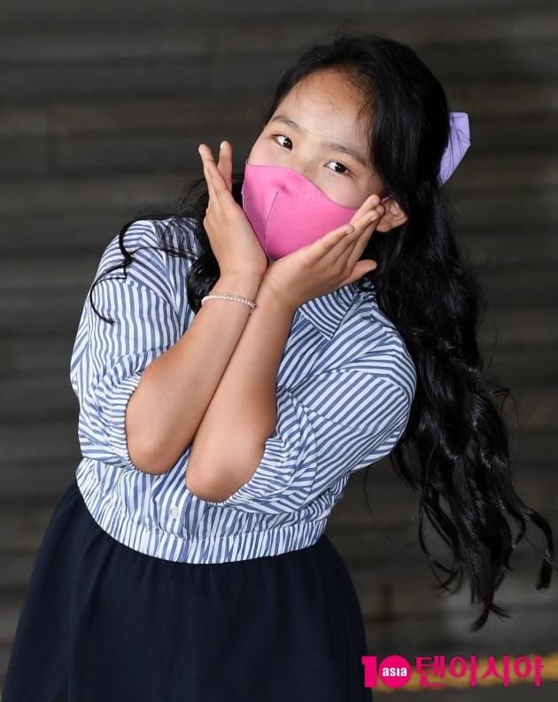 [TEN 포토] 미스트롯2 김태연 '꽃 한송이 귀염뽀작'