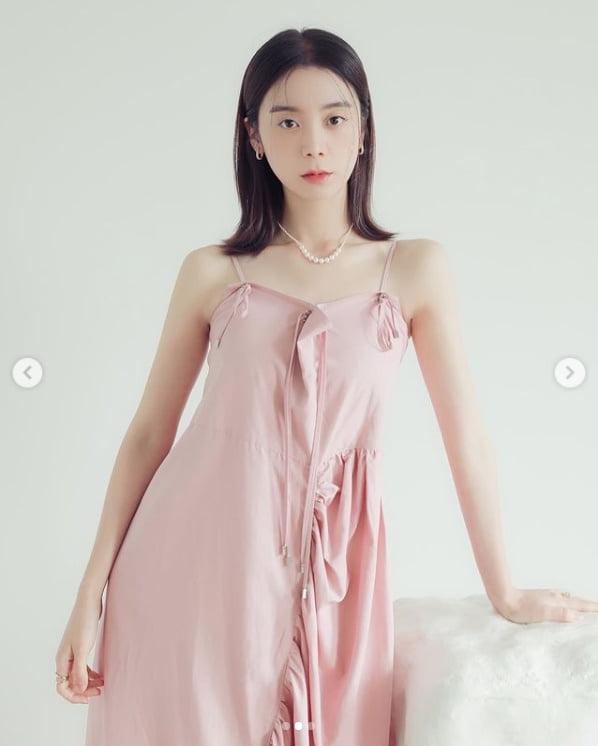 혜림, 청초함 가득한 핑크빛 매력...소멸할 듯 한 얼굴[TEN★]