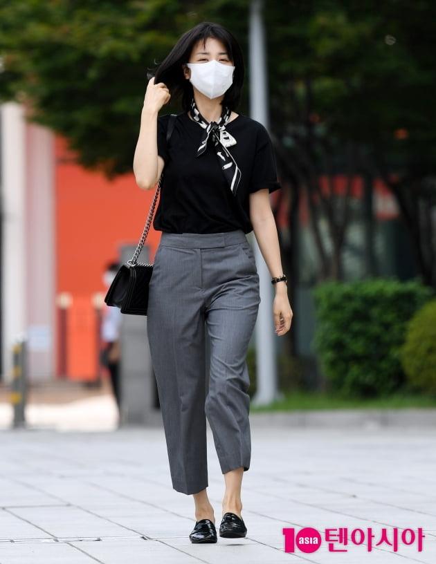 [TEN 포토] 박하선 '시크한 패션'