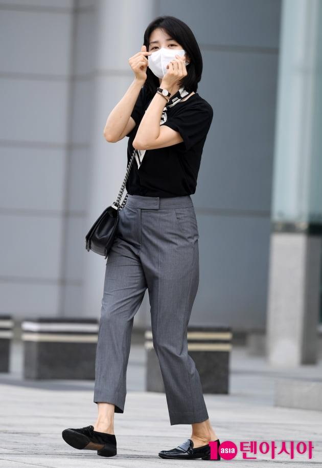 [TEN 포토] 박하선 '화보같은 출근길'