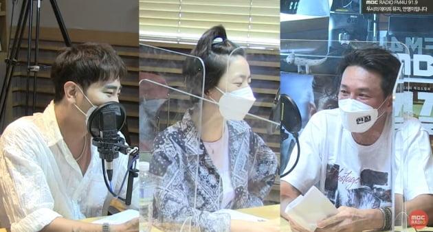 [TEN 리뷰] 황정민, 갑분싸 트라우마 고백→'진한 빨강' 만취 상태?…'인질' 열혈 홍보 ('두데')