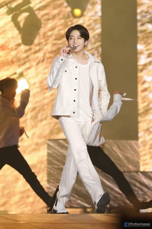 방탄소년단 정국 솔로 2곡 美빌보드 차트 톱10 유일 랭크