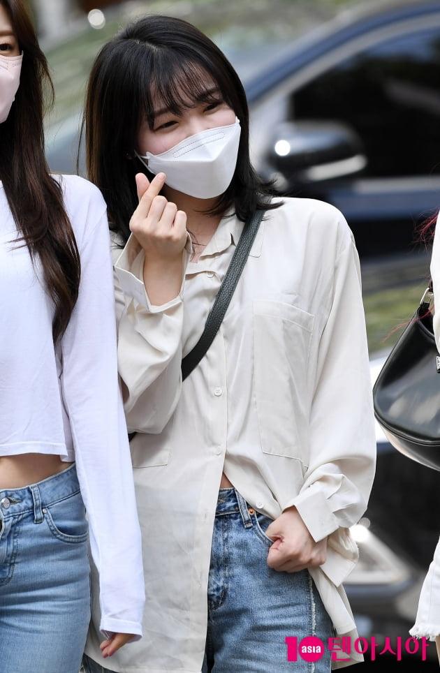 [TEN 포토] 오마이걸 승희 '애교 눈웃음'