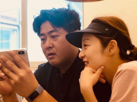 '김용건 차남♥' 황보라, 혼인신청서에 사인 [TEN★]