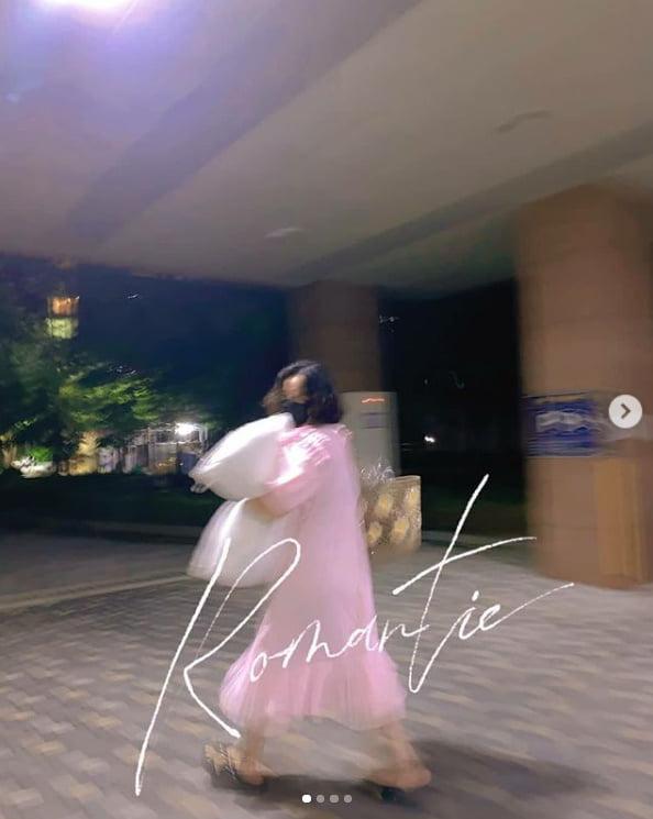 고은아, 분홍 잠옷 입고 어디가시나요?...로멘틱 하시네[TEN★]