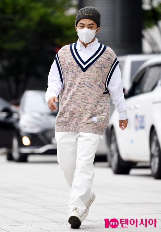 [TEN 포토] 구교환 '걷기만 해도 화보'
