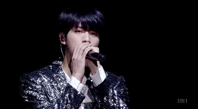 방탄소년단 진, 솔로 3곡으로 아이튠즈 242개국 1위 '글로벌 음원 파워'