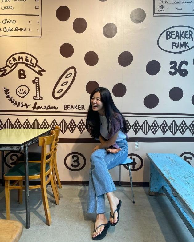 '39세 애셋맘' 김성은, 한남동 핫플레이스 카페에서 5500원 커피 인증샷 [TEN★]