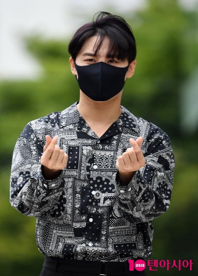 [TEN 포토] 김준수 '심쿵하트'