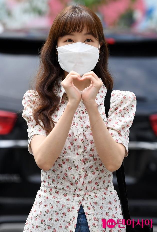 [TEN 포토] 방민아 '귀요미 하트'